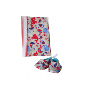 Coffret cadeau de naissance - mer - chaussons et protège carnet de santé